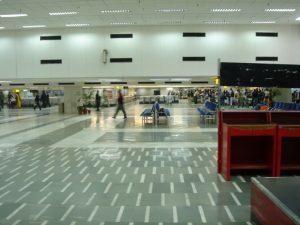 ニューデリーの空港内の様子